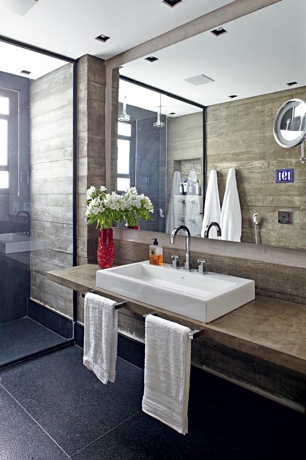 banheiro-nelson-kabarite (Foto: Victor Affaro/Editora Globo)