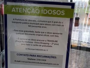 Placas informativas foram instaladas  (Foto: Felipe Santos/G1 Triângulo Mineiro)