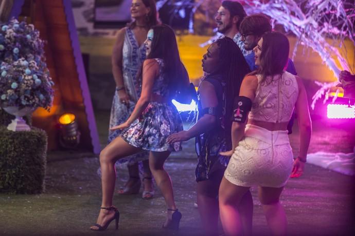 E todo mundo dançou no show de Simone e Simaria (Foto: Artur Meninea/Gshow)