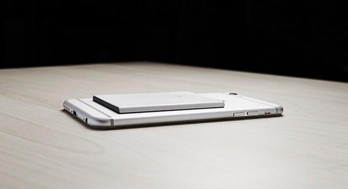 Piece, adaptador para Android e iOS que transforma celular em dual chip (Foto: Divulgação)