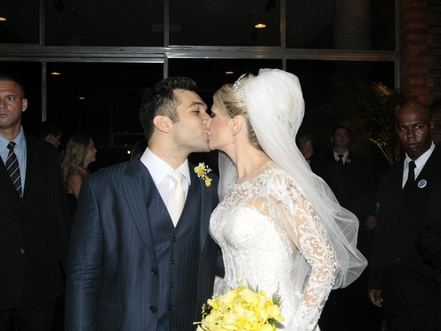 Antônia Fontenelle e Jonathan Costa se casam na Zona Sul do Rio (Foto: Johnson Parraguez/ Foto Rio News)