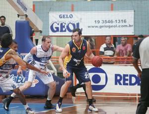 Lance do jogo entre Limeira e São José (Foto: JB Anthero/Divulgação Winner Kabum Limeira)