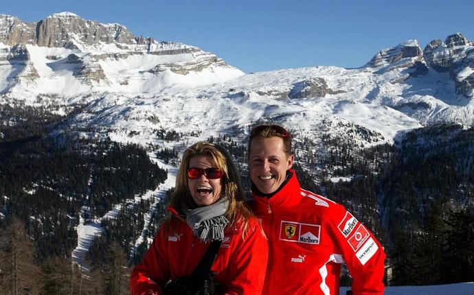 michael schumacher esqui ao lado da esposa (Foto: Agência Reuters)