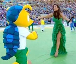 Fuleco se rende aos encantos de Ivete (Foto: Reproduo TV Globo)