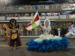 Desfile da escola Solidariedade, na primeira noite do carnaval no Samódromo (Foto: Gabriel Penha/G1-AP)