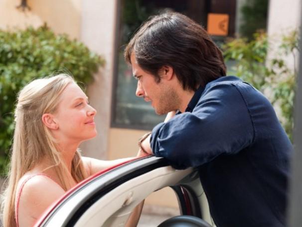 Sophie viaja para a Itália ao lado do noivo, Victor (Foto: Divulgação / Reprodução)