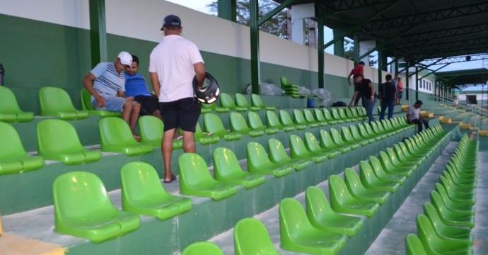 Estádio Ribeirão recebe reformas para o estadual  (Foto: Site Tocanoícias)