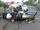 Acidente entre ônibus e carro deixa dois mortos e 13 feridos no Paraná