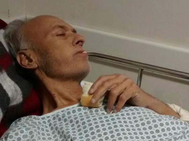 Milton Alves de Souza, de 68 anos, foi dado como morto e voltou a respirar enquanto era preparado para velório (Foto: Maria Alves de Saraiva/Arquivo Pessoal)