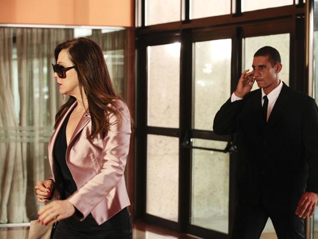 Hora de gravar! Claudia incorpora Lívia  (Foto: Salve Jorge/TV Globo)
