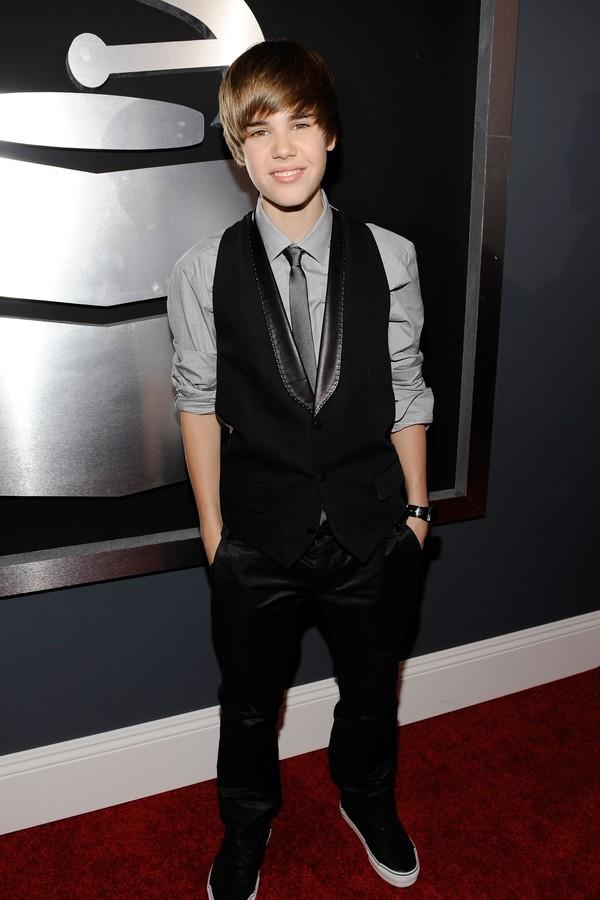 Justin Bieber foi em seu primeiro Grammy no ano de 2010 (Foto: Getty Images)