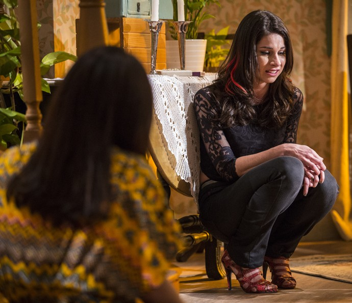 Aspirante a modelo chora desesperadamente diante da irmã: 'Foi sem querer!' (Foto: Inácio Moraes/Gshow)
