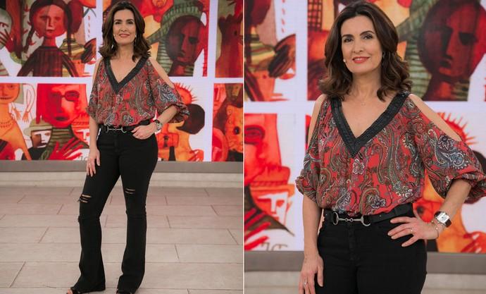 Fátima quer a sua ajuda na escolha do look que irá usar  (Foto: Raphael Dias/Gshow)