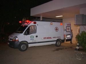 Paciente morreu após esperar 8h dentro de ambulância por vaga em UTI (Foto: Reprodução/ TV Morena)