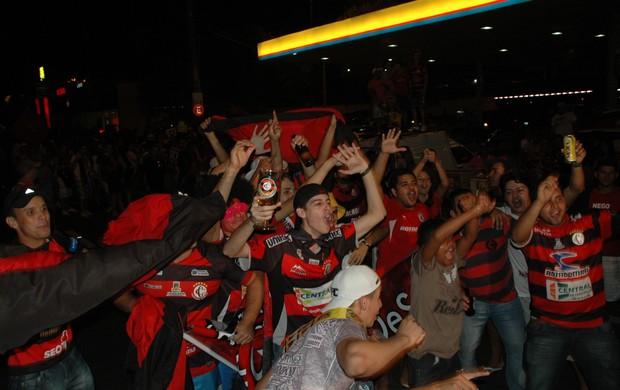 campinense, torcida, copa do nordeste, festa, comemoração (Foto: Lucas Barros / Globoesporte.com/pb)