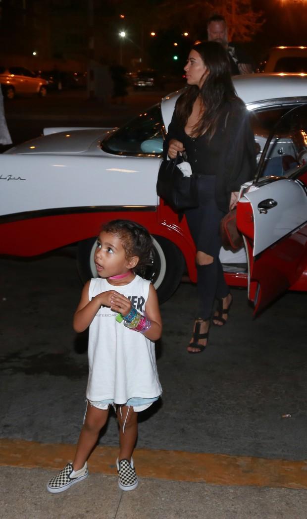 North West e Kim Kardashian (Foto: Grosby)