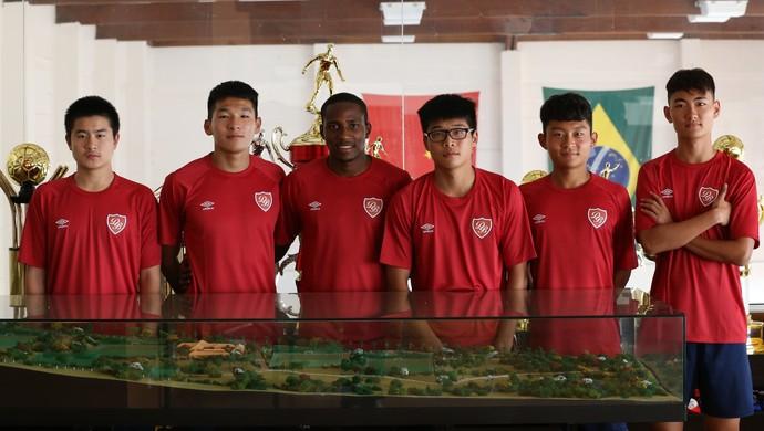 Desportivo Brasil - intercâmbio de jogadores chineses  (Foto: Raphael Zilli)