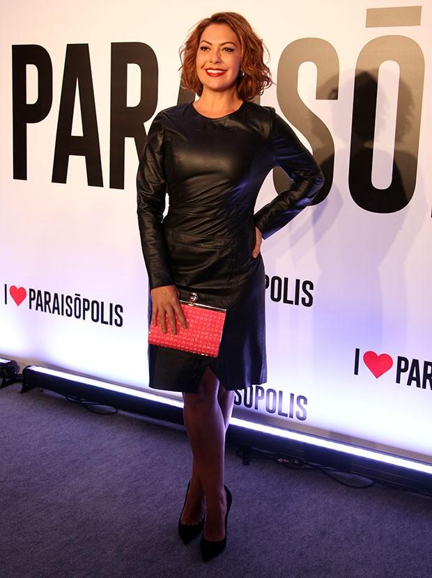 A atriz Fabiula Nascimento apostou em um pretinho nada básico! Ficou linda.  (Foto: Fabiano Battaglin / Gshow)