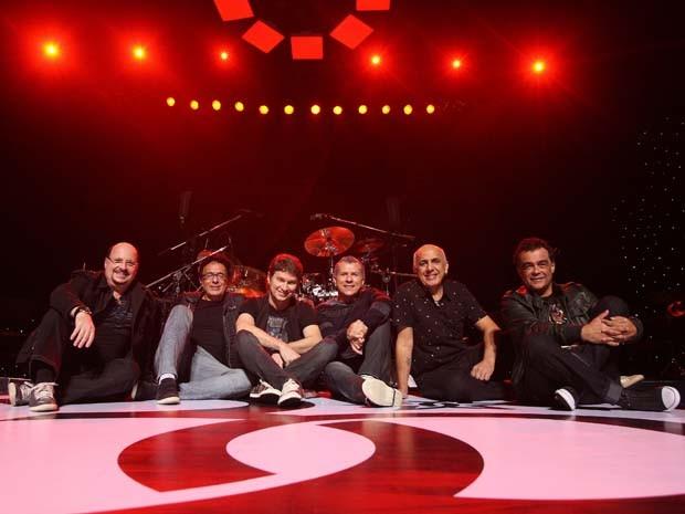 Grupo se apresenta na Cocha Acústica do Teatro Castro Alves. (Foto: Divulgação)