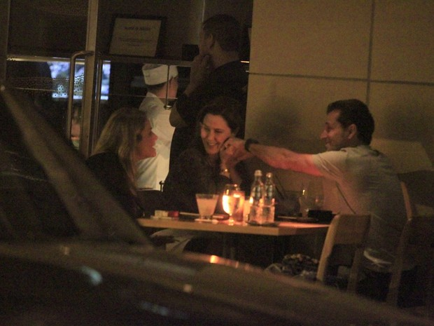 Guilhermina Guinle e o marido, Leonardo Antonelli, em restaurante no Rio (Foto: Rodrigo dos Anjos/ Ag. News)