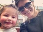 Carol Francischini compartilha foto da filha, Valentina, em rede social