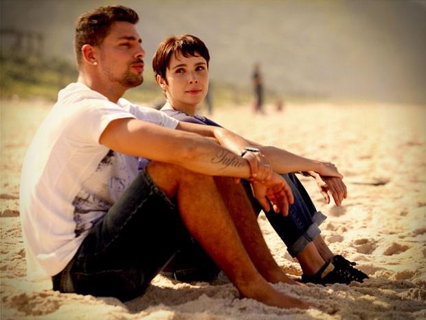 Nina lembra do tempo em que viveram juntos (Foto: Avenida Brasil / TV Globo)