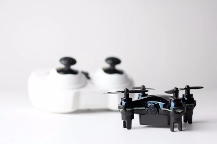 Drone usa Wi-Fi para transmitir vídeo em tempo real para smartphones (Foto: Divulgação/Axis Drones)