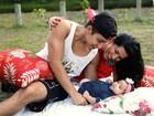 Ellen Cardoso posa com os filhos e festeja: 'A família está completa'