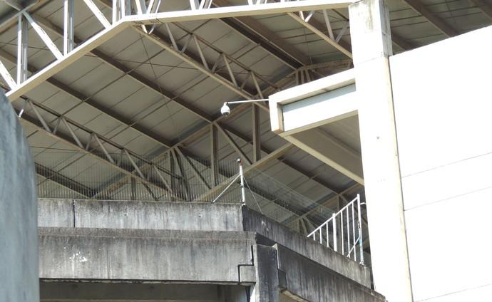 Muro Arena Joinville pichado (Foto: João Lucas Cardoso)