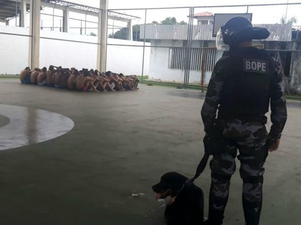 Drogas, bebidas, celulares, Cesein, Macapá, Amapá (Foto: Divulgação/Polícia Militar)