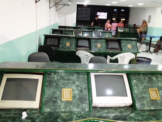 Bingo funcionava  na rua Duque de Caxias no Centro de João Pessoa, Paraíba (Foto: Walter Paparazzo/G1)