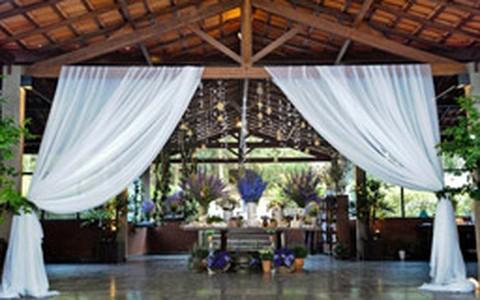 Home wedding: festa de casamento lembra decoração de casa