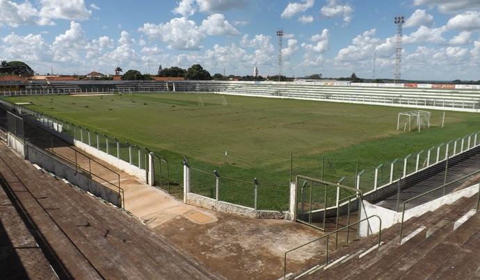 Estádio Tanabi Cabañas (Foto: Marcos Lavezo)