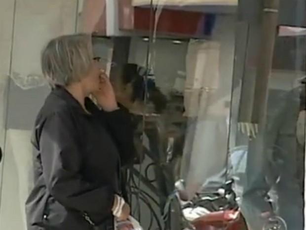 Comércios apostam na atração das vitrines em Itapetininga  (Foto: Reprodução/ TV TEM)