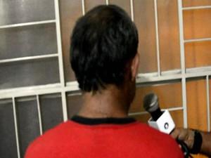 Suspeito de pedofilia que se passava por menina na web é preso em Santos Dumont (Foto: TVMont/TVMont)