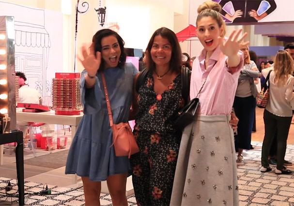 Nossa trica de ases: Alline Cury, Daniela Falcão e Paula Merlo no Glamour Beauty Festival (Foto: Reprodução)