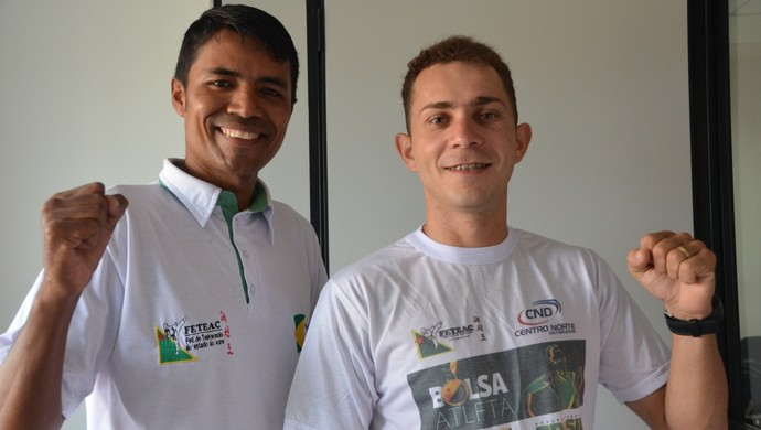 O técnico da Seleção Acreana de Taekwondo ao lado do atleta Walison da Silva que participou do Open Região Nordeste 2014 (Foto: Quésia Melo)