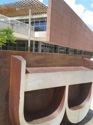 Biblioteca de São Paulo  (Foto: BBC Brasil)