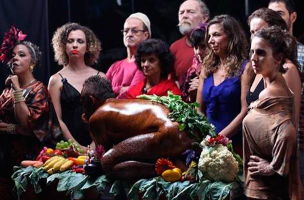 """Cena do espetáculo de dança """"A Cozinha Performática"""" (Foto: Divulgação)"""