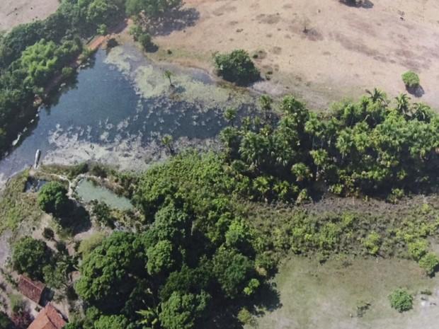Imagens aéreas mostram nascente secando em Britânia, em Goiás (Foto: Divulgação/Polícia Civil)
