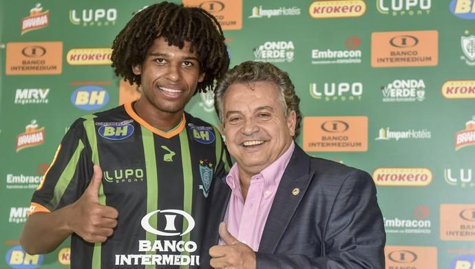 William Barbio é apresentado pelo América-MG (Foto: Divulgação/AFC)