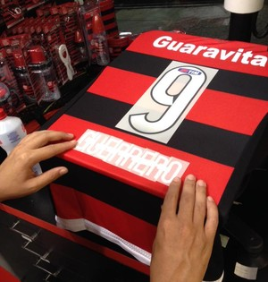 Camisa Guerrero Flamengo (Foto: Matheus Frigols)