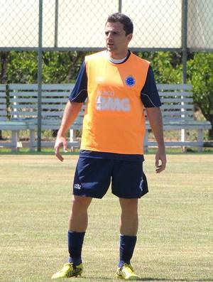 Montillo no treino do Cruzeiro (Foto: Fernando Martins / Globoesporte.com)