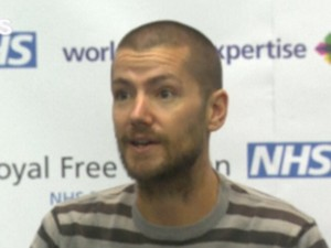 Enfermeiro britânico William Pooley, que se curou do ebola, vai doar sangue a americano infectado (Foto: Reprodução/GNews)