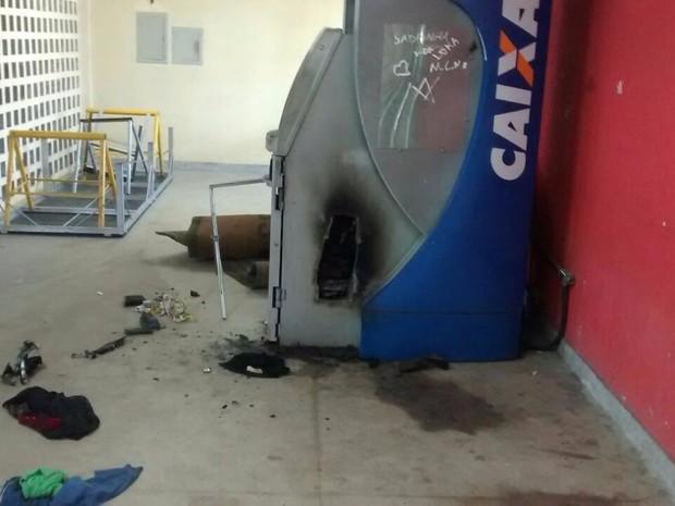 Caixa eletrônico é arrombado em Igarassu (Foto: Reprodução WhatsApp)