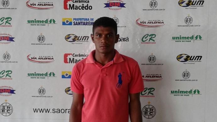 Renato Carvalho se apresentou nesta terça (12) na sede do São Raimundo (Foto: Divulgação/ Ascom São Raimundo)