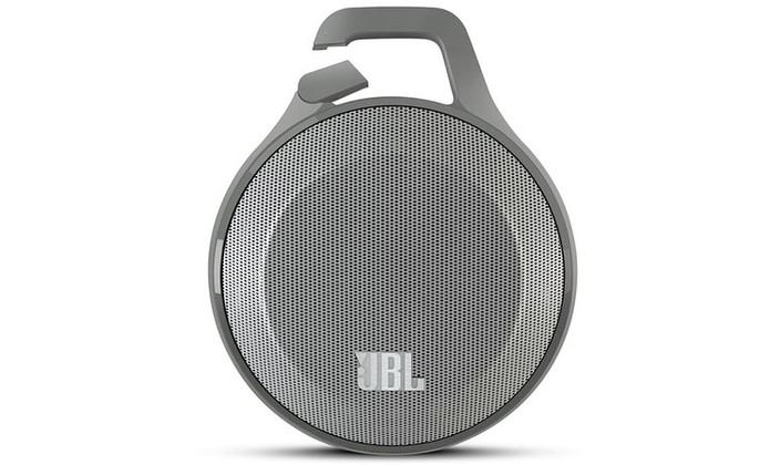 JBL Clip tem gancho para deixar design mais fácil de transportar (Foto: Divulgação/JBL)