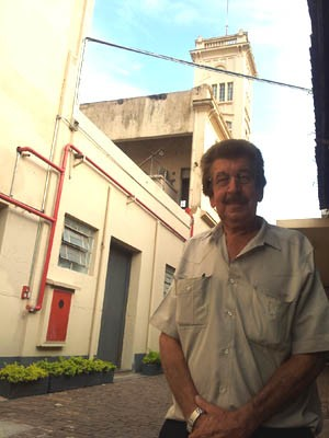 """""""Era um espaço parado havia muito tempo"""", diz José Florentino, que trabalhou para antiga fábrica. (Foto: Rodolfo Tiengo/ G1)"""