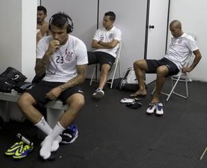 Vestiário do Corinthians - Guerrero Emerson Sheik (Foto: Daniel Augusto Jr / Agência Corinthians)