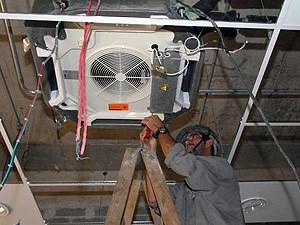 Há vagas para eletricistas (Foto: Nestor Müller/ Secom-ES)